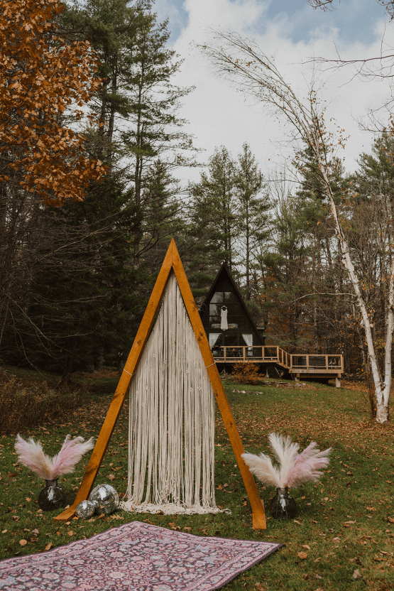 Woodsy Boho Cabin Wedding Inspiration in New Hampshire – Haus of Gravity – Compass Collective 9