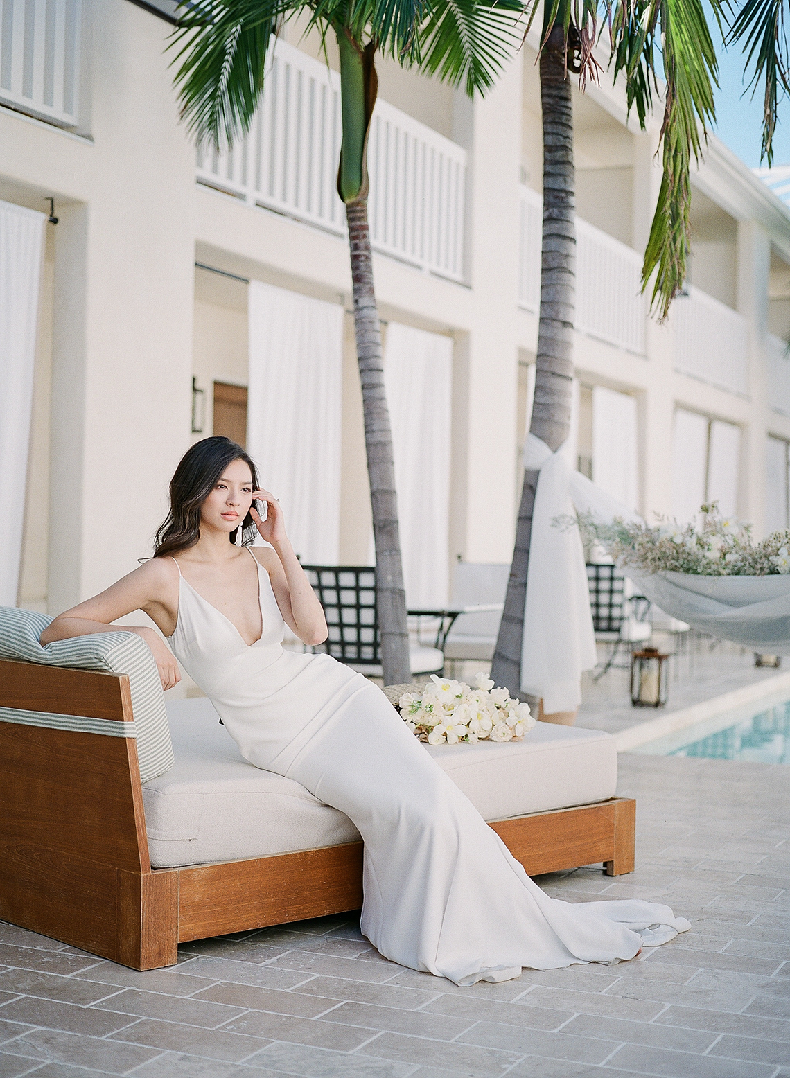 Clean and Cool Wedding Inspiration at the Los Angeles Cara Hotel – Milk Events – Jeremy Chou Photography 34
