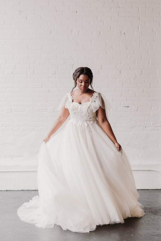 Lyra Vega Online Wedding Dresses Made-to-Measure Under 1200 – Bridal Musings 23