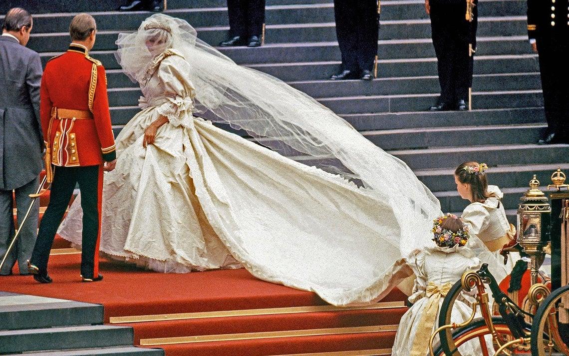 Taffeta Wedding Dresses are Trending – Dresses like Princess Diana Wedding Dress – Bridal Musings 4