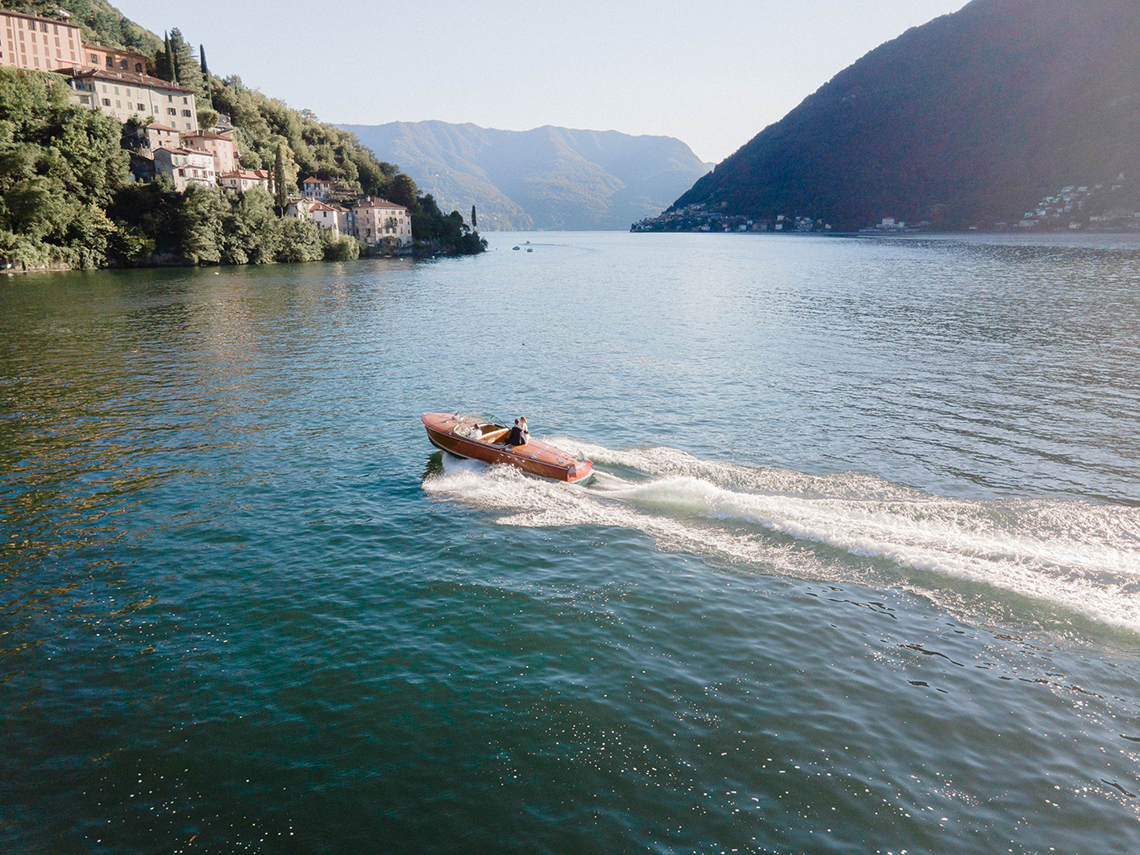 Romantic Something Blue Micro Wedding filled with Hydrangeas at Villa Ortensia in Lake Como – Alessandro Colle e Serena Rossi 11