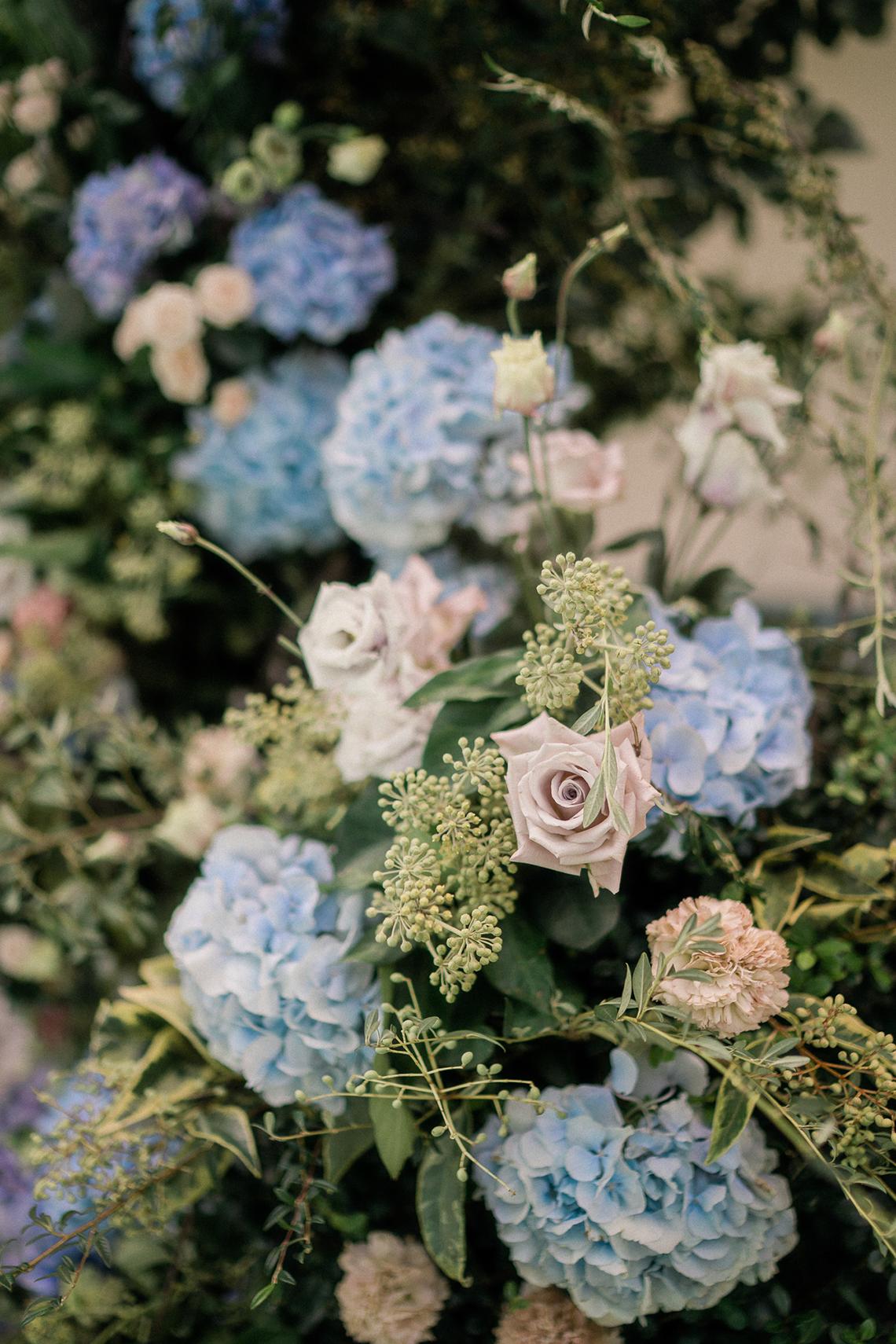 Romantic Something Blue Micro Wedding filled with Hydrangeas at Villa Ortensia in Lake Como – Alessandro Colle e Serena Rossi 21