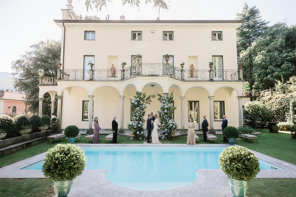 Romantic Something Blue Micro Wedding filled with Hydrangeas at Villa Ortensia in Lake Como – Alessandro Colle e Serena Rossi 4