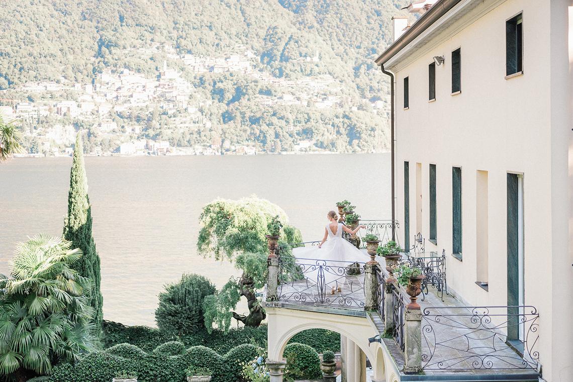 Romantic Something Blue Micro Wedding filled with Hydrangeas at Villa Ortensia in Lake Como – Alessandro Colle e Serena Rossi 7