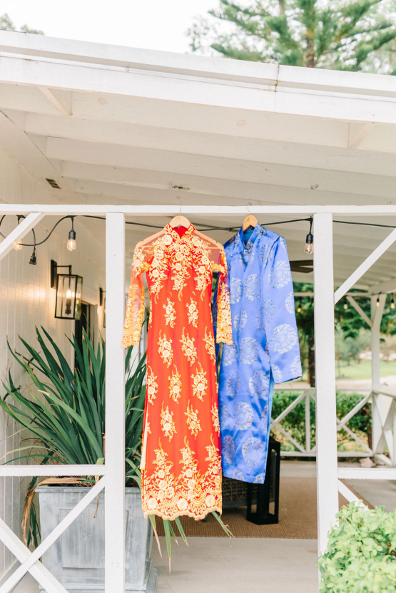 Rainy Casual Barn Wedding with Vietnamese Influence – Emma Anne Photography – The Mulberry – Bridal Musings 15