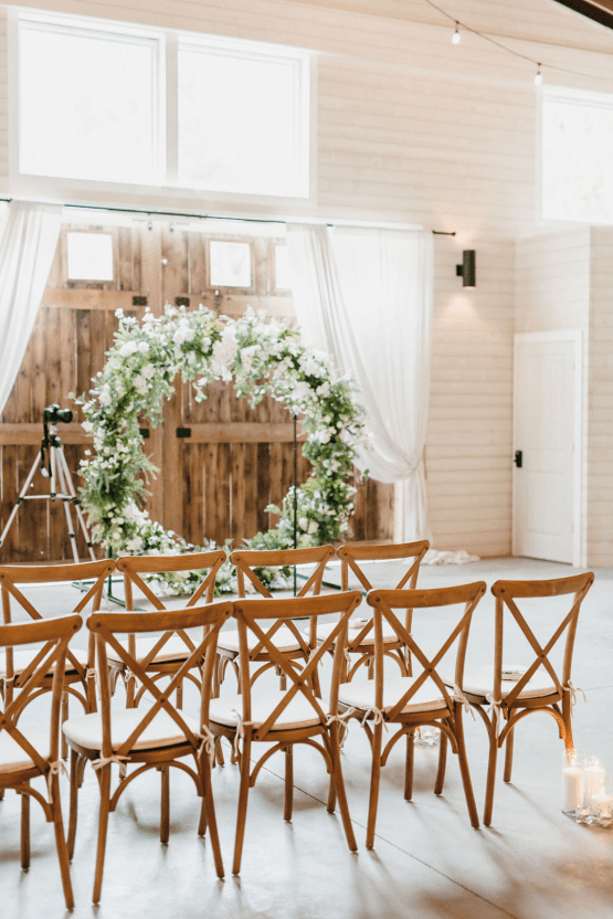 Rainy Casual Barn Wedding with Vietnamese Influence – Emma Anne Photography – The Mulberry – Bridal Musings 35
