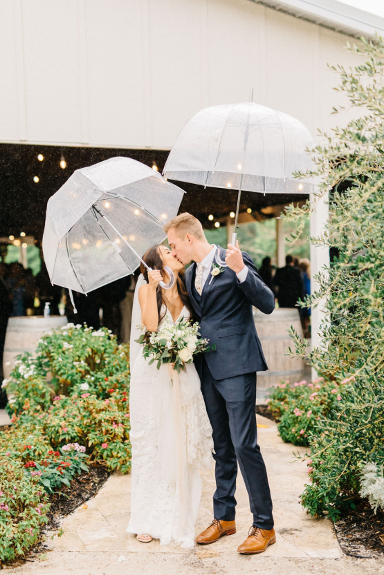 Rainy Casual Barn Wedding with Vietnamese Influence – Emma Anne Photography – The Mulberry – Bridal Musings 42