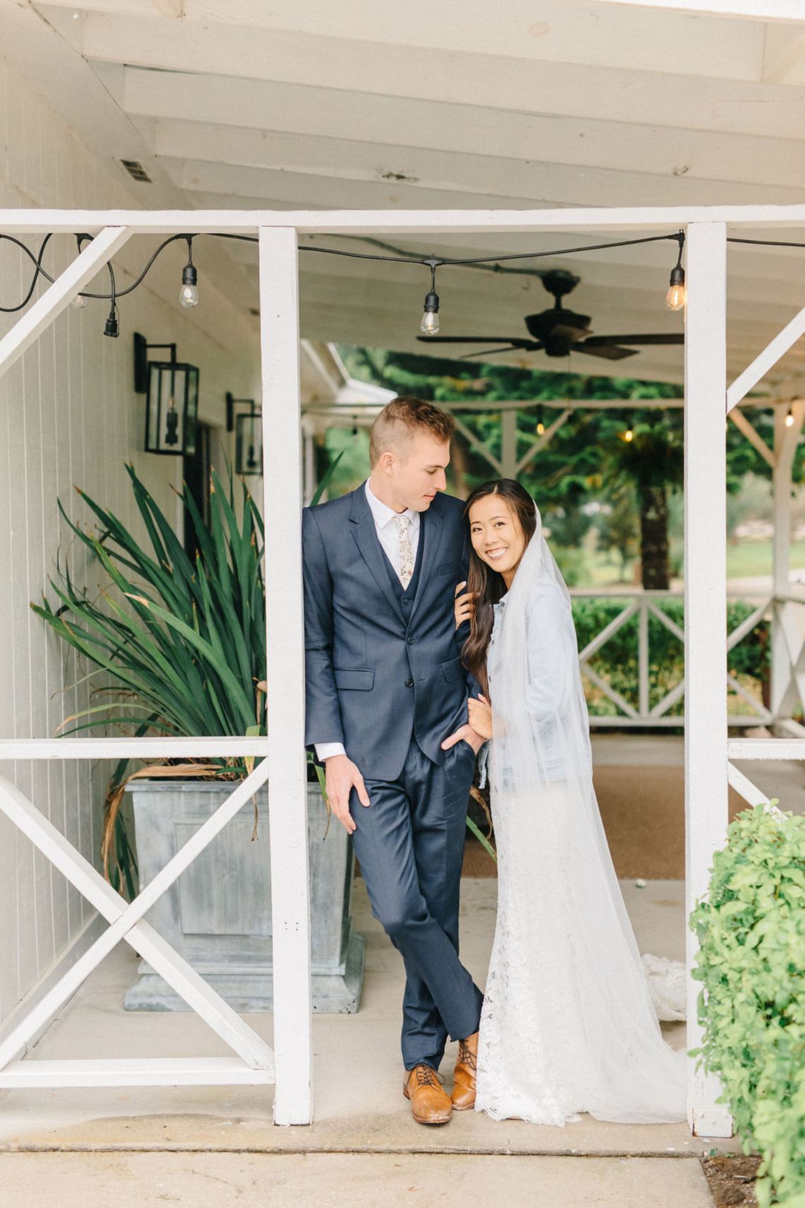 Rainy Casual Barn Wedding with Vietnamese Influence – Emma Anne Photography – The Mulberry – Bridal Musings 45