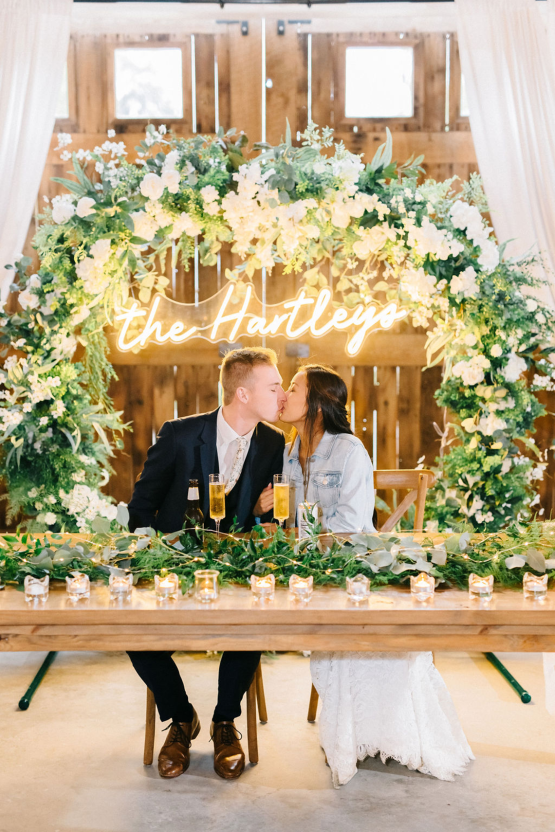 Rainy Casual Barn Wedding with Vietnamese Influence – Emma Anne Photography – The Mulberry – Bridal Musings 53