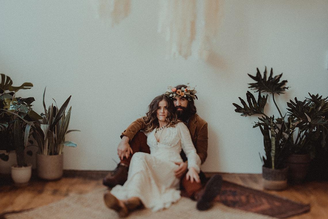 Vintage 1970s Inspired Portland Elopement Inspiration – Anna Caitlin Photography – The Indigo Bride – Bridal Musings 3