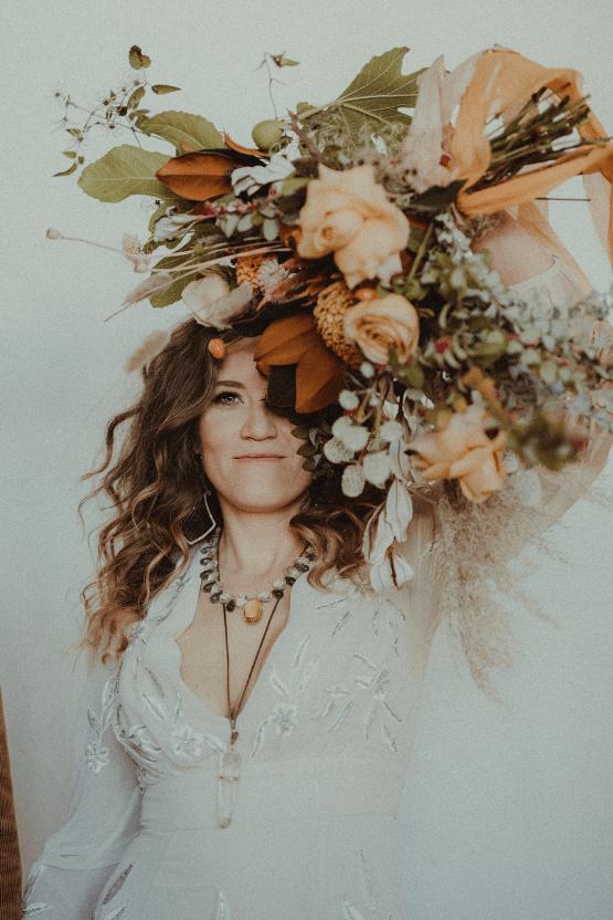 Vintage 1970s Inspired Portland Elopement Inspiration – Anna Caitlin Photography – The Indigo Bride – Bridal Musings 42