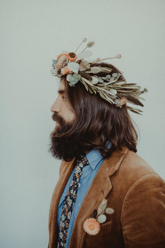 Vintage 1970s Inspired Portland Elopement Inspiration – Anna Caitlin Photography – The Indigo Bride – Bridal Musings 45