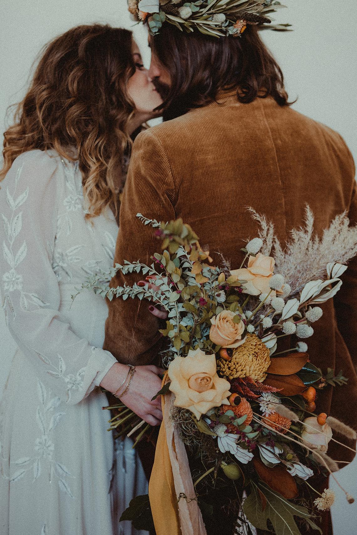 Vintage 1970s Inspired Portland Elopement Inspiration – Anna Caitlin Photography – The Indigo Bride – Bridal Musings 46