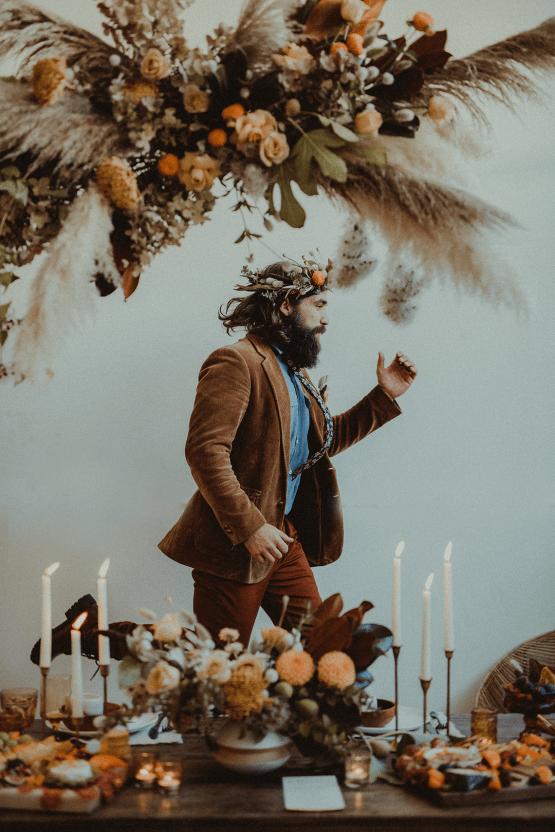 Vintage 1970s Inspired Portland Elopement Inspiration – Anna Caitlin Photography – The Indigo Bride – Bridal Musings 51