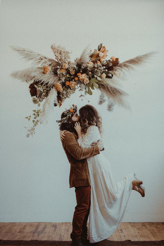 Vintage 1970s Inspired Portland Elopement Inspiration – Anna Caitlin Photography – The Indigo Bride – Bridal Musings 53