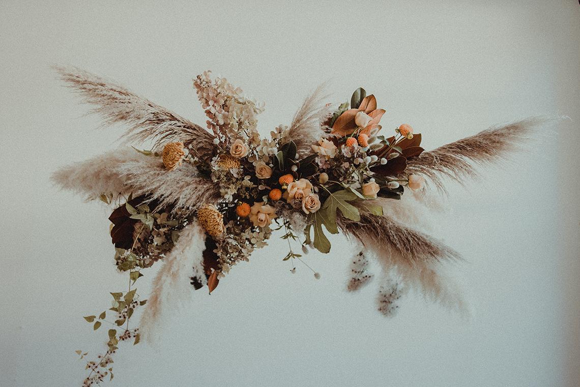 Vintage 1970s Inspired Portland Elopement Inspiration – Anna Caitlin Photography – The Indigo Bride – Bridal Musings 6