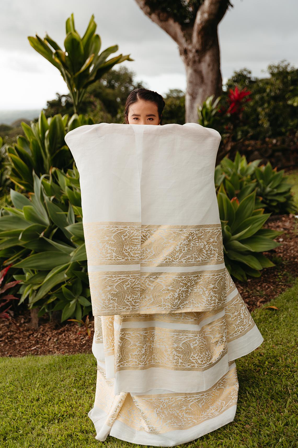 Korean Hawaiian Elopement with a Traditional Ceremony – Alyssa Luzaich Photography – Kukio Beach – Bridal Musings 21