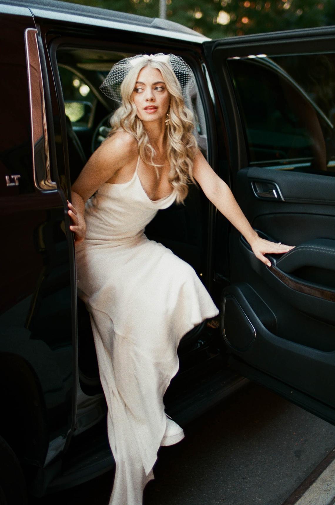 New York Bridal Fashion Week 2022 Inspiration – Danielle Determan Duey Photo – Bridal Musings – Grace Loves Lace – Galia Lahav 15