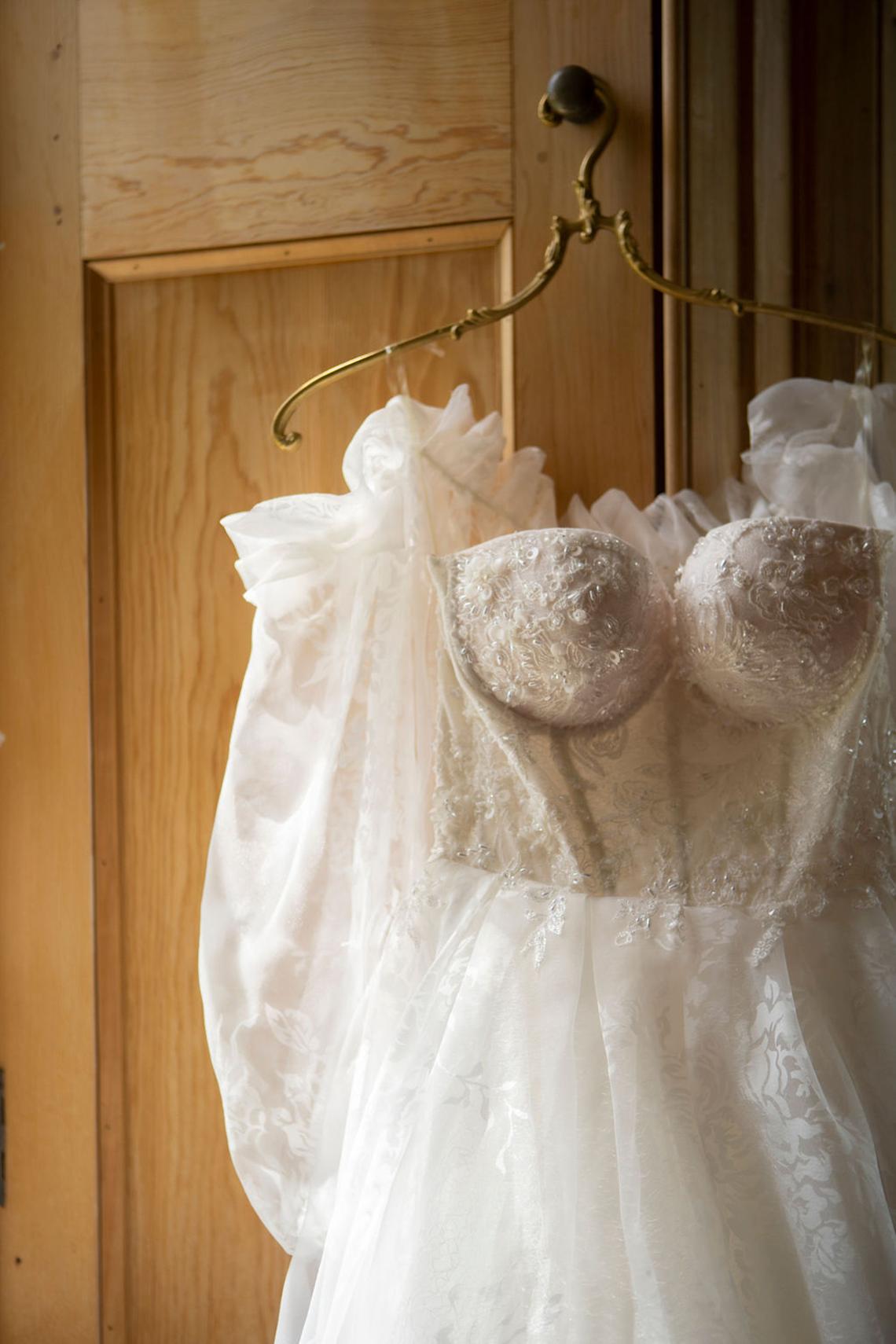 Romantic Willowbank Mansion Toronto Wedding Inspiration – Lisa Vigliotta Photography – Nobl Events – Bridal Musings 7
