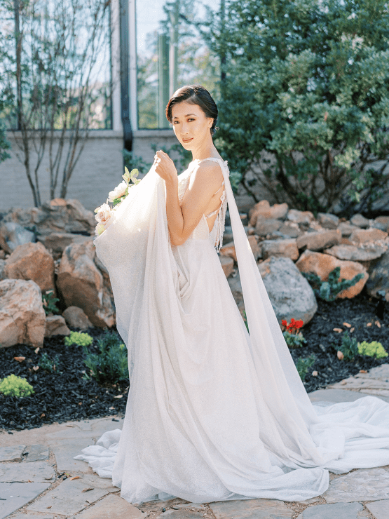 Stunning Fall Florals Wedding Inspiration – Amy Odom Photography – Brighton Abbey – Bridal Musings 30