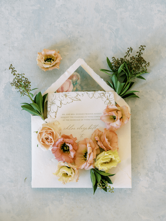 Stunning Fall Florals Wedding Inspiration – Amy Odom Photography – Brighton Abbey – Bridal Musings 38