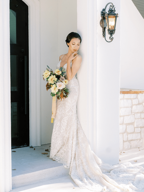 Stunning Fall Florals Wedding Inspiration – Amy Odom Photography – Brighton Abbey – Bridal Musings 41