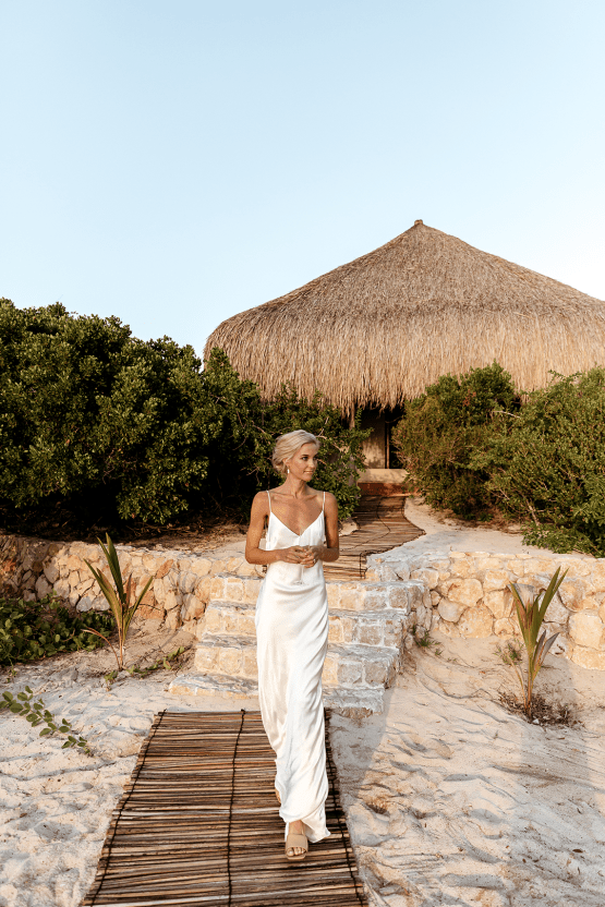 Stunning Mozambique Beach Wedding at Sunrise – Sussurro – Ayeh Photography – Bo and Luca – Bridal Musings 50