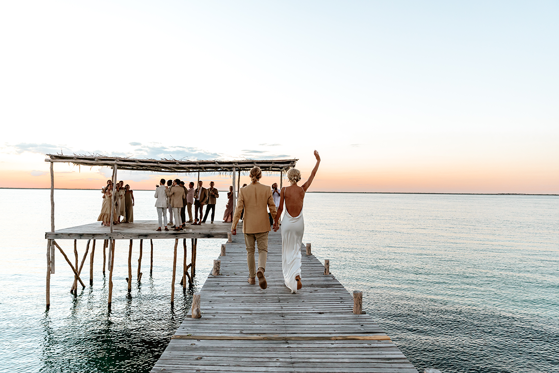 Stunning Mozambique Beach Wedding at Sunrise – Sussurro – Ayeh Photography – Bo and Luca – Bridal Musings 9